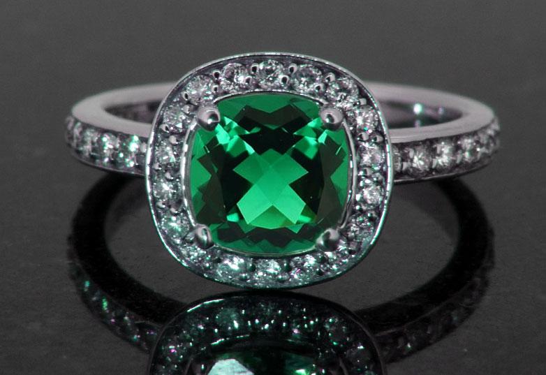 verdent green of emerald